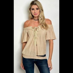 LAST 3 💕Essue💕Beige Lace-up/Off-the-shoulder top